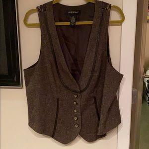 Beautiful vest with back lace